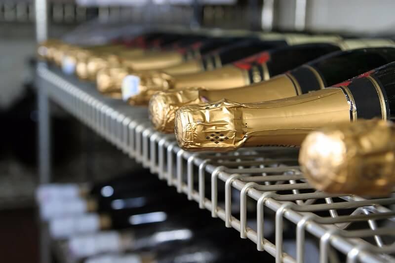 Hur förvarar man Champagne?